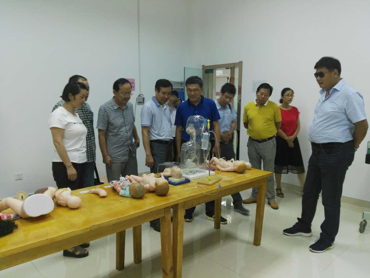 医学院调研学校附属亳州医院并参加临床本科教学培训第一期开班仪式图片